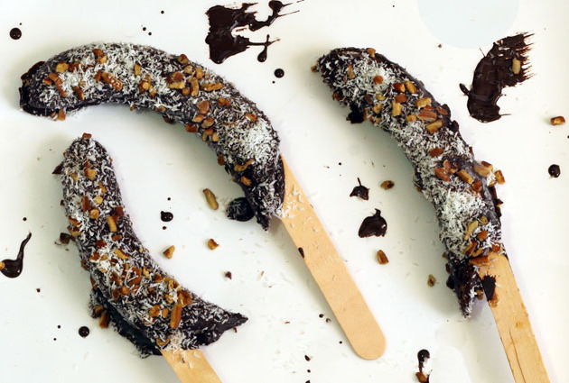 Frozen Bananas On A Stick Recipe — Dishmaps