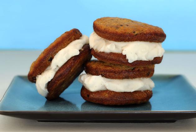 Paleo Banana Bread Ice Cream Sandwiches Recipe | Paleo Newbie | Paleo ...