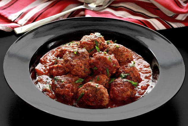 paleonewbie-com recipe slow cooked Italian meatballs in marinara sauce