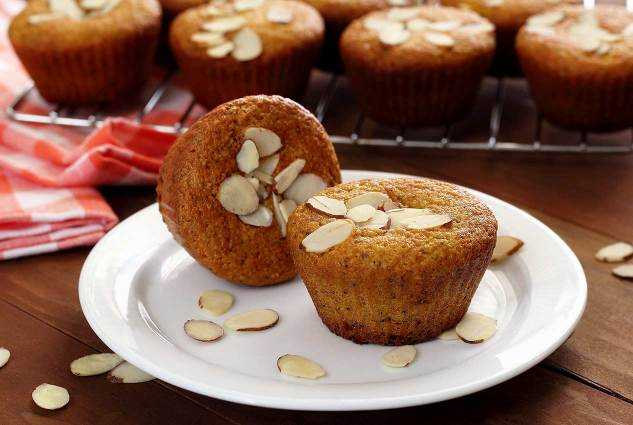 PaleoNewbie-Muffins-Poppyseed-Almond-twoplate-1266x850